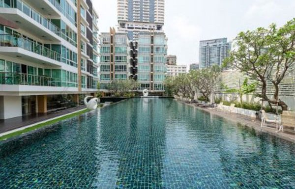 belgravia-residences-bangkok-condo-for-sale-swimming-pool-4